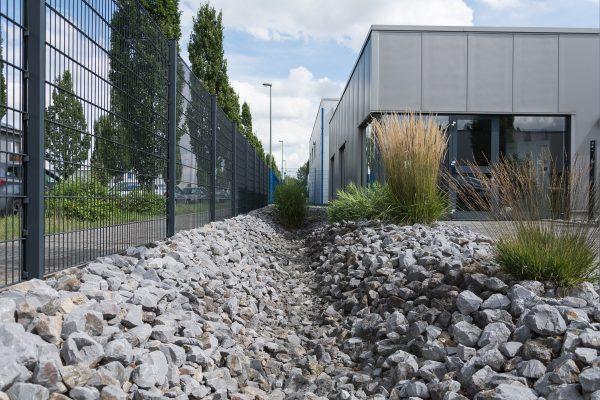 Tewes-Kampelmann Galabau Herne Neuanlage Elektro Thimm in Herne mit Bepflanzung Pflasterarbeiten Sichtschutz (19)