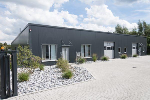 Tewes-Kampelmann Galabau Herne Neuanlage Firma Tarm in Herne mit Bepflanzung Pflasterarbeiten Sichtschutz (3)