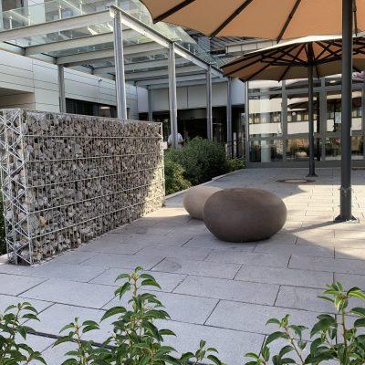 Tewes-Kampelmann Galabau Herne Neuanlage in Herne mit Bepflanzung Pflasterarbeiten Sichtschutz - Cafeteria am EVK in Castrop-Rauxel (5)