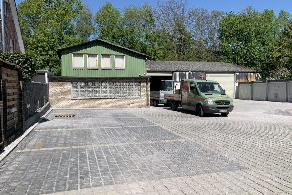 Tewes-Kampelmann Galabau Herne Neuanlage in Herne mit Bepflanzung Pflasterarbeiten Sichtschutz - Garagenhof in Herne (4)