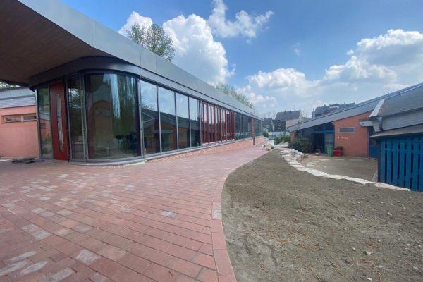Tewes-Kampelmann Garten- und Landschaftsbau GmbH aus Herne - Schülercafe in Witten - fertig (8)