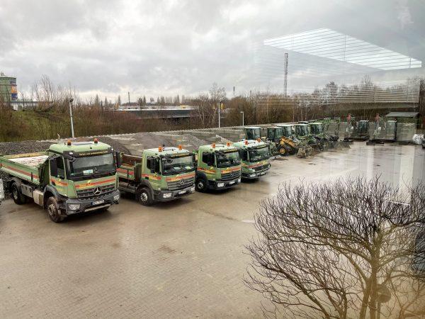 Tewes-Kampelmann Garten- und Landschaftsbau GmbH in Herne Unternehmen Fahrpark Arocs Atego Sprinter Radlader Bagger (25)